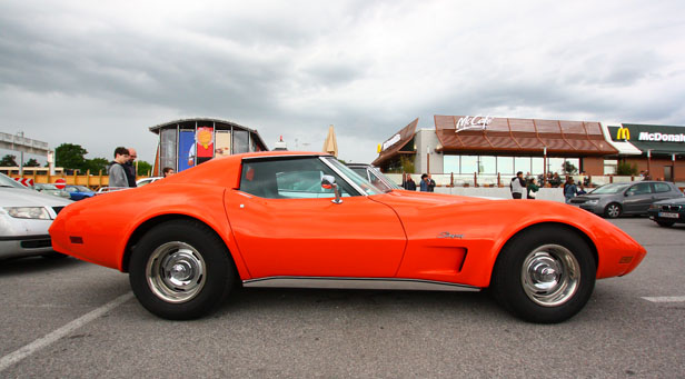 Hot Summer Nites – eine Stingray Corvette