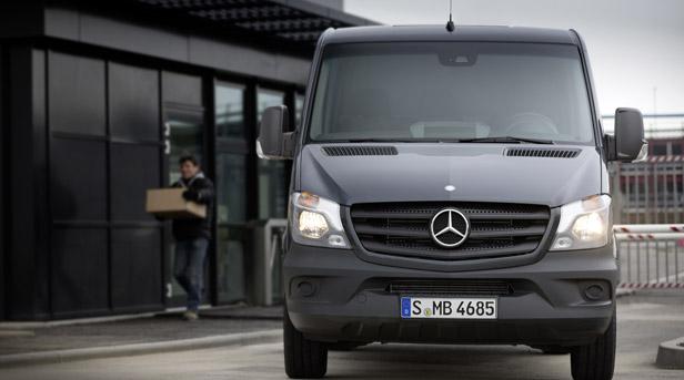 Mercedes Sprinter Facelift 2013 statisch vorne