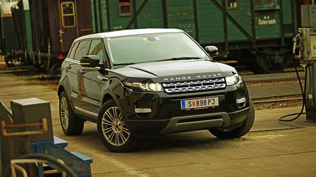 Range Rover Evoque Dauertest statisch vorne rechts