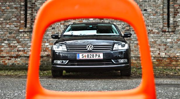 VW Passat Variant Dauertester statisch vorne