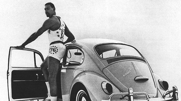 Volkswagen Bettle 1300 Werbung mit Wilt Chamberlain