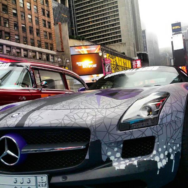 Ein Mercedes SLS beim Gumball 3000, 2012
