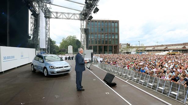 Martin Winterkorn (CEO VW), gibt Golf-Jubiläum bekannt