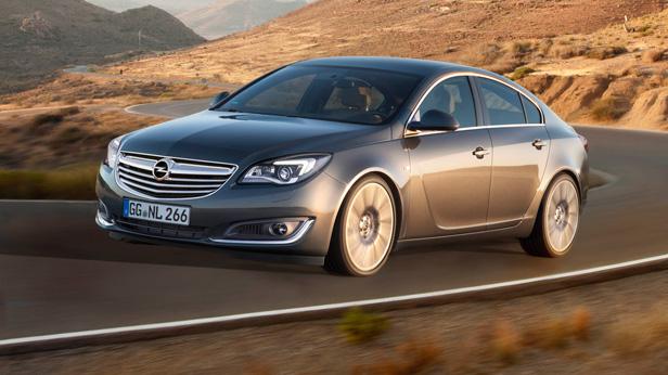 Opel Insignia Facelift 2013 dynamisch vorne links