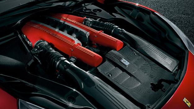 Ferrari Zwölfzylinder.