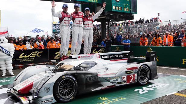Das Siegerfoto von Le Mans 2013. Team Audi R18 e-tron quattro mit der Nummer 2.