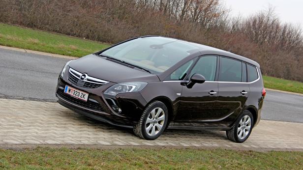 Opel Zafira Tourer 2,0 CDTI statisch vorne rechts