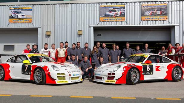 Gruppenfoto vom Schweizer Team - Fach Auto Tech