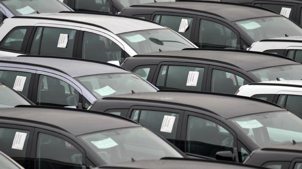 Autos vor der Auslieferung
