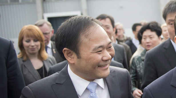 Li-Shufu auf Besuch in Schweden