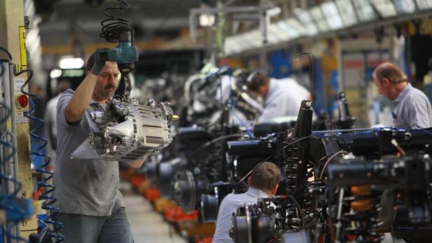 Produktionsband im Magna-Werk 2009