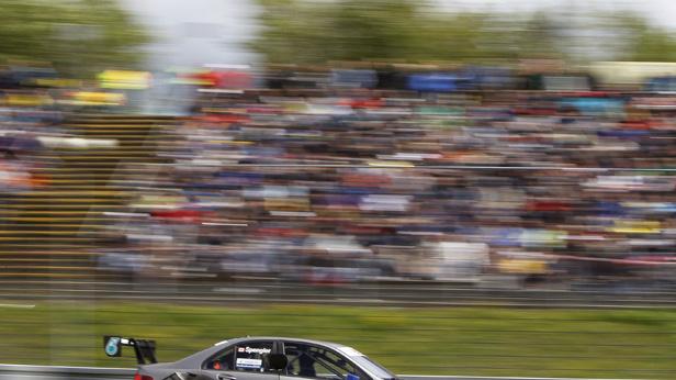 Mercedes-Benz am Nürburgring, mit Zuschauern
