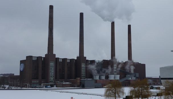 Die Aussicht auf Arbeit im VW-Werk lockte zehntausende Zuwanderer ins heutige Wolfsburg.