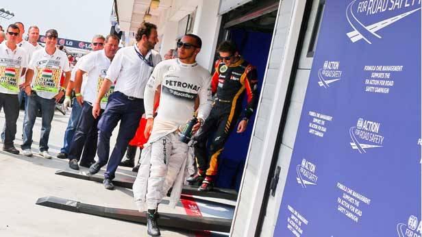 Lewis Hamilton nach dem Qualifying für den GP Ungarn