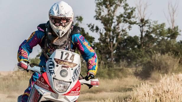 Julia Schrenk auf der Enduro-Strecke in Nagycenk (Ungarn)