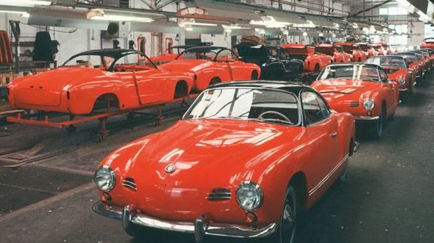 VW Karmann Ghia in der Montagehalle