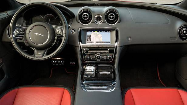 Jaguar XJR Innenraum