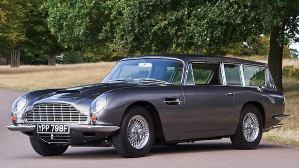 Aston Martin DB6 silber seitlich vorne