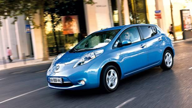 Nissan Leaf dynamisch vorne links