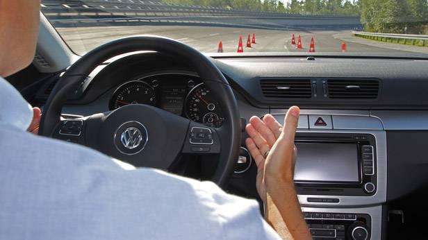 Übungsfahrt mit VW für das Testen des Baustellenassistenten