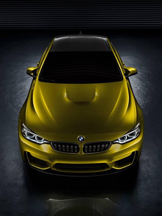BMW M4 Coupé statisch oben