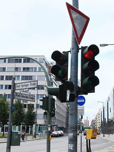 Rudi Dutschke Axel Springer Berlin Kreuzung Vorfahrt