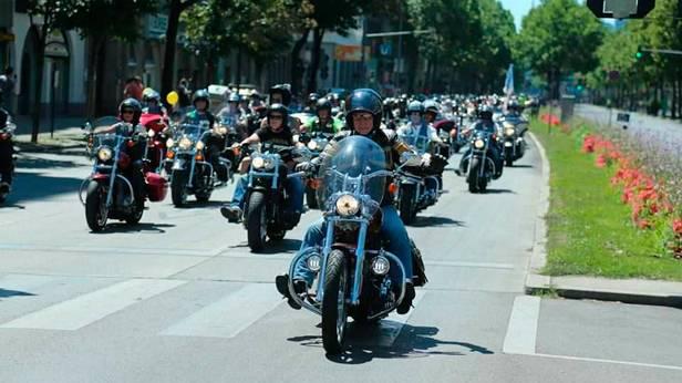 Harley-Davidson Charity Tour 2013 unterwegs