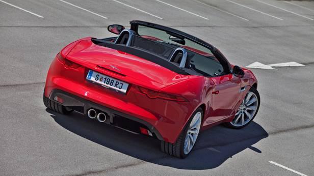 Jaguar F-Type statisch hinten