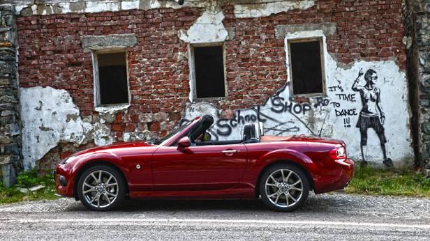 Mazda MX-5 statisch links
