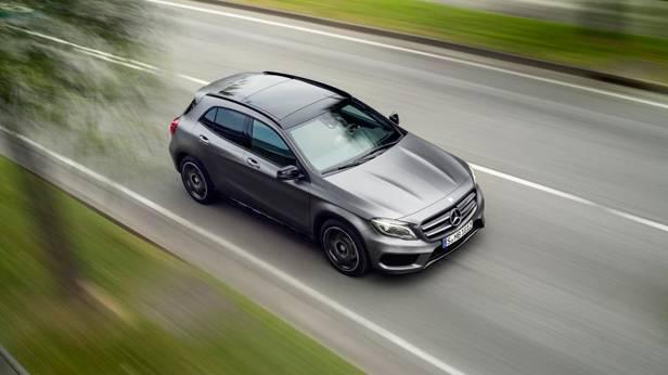 Mercedes GLA dynamisch oben