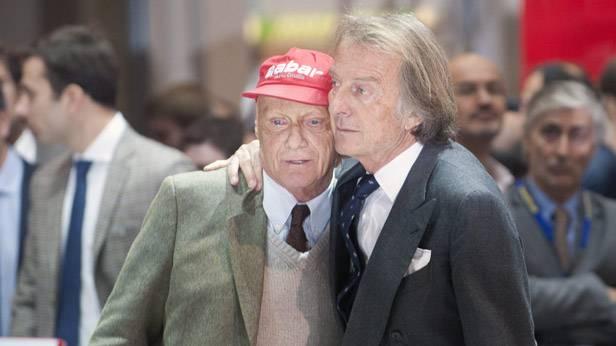 Luca di Montezemolo umarmt Niki Lauda