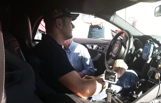 Karl Wendlinger nach der Testfahrt mit dem Jaguar F-Type