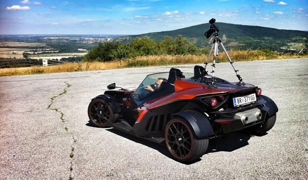 KTM X-Bow bei den Fahrtaufnahmen