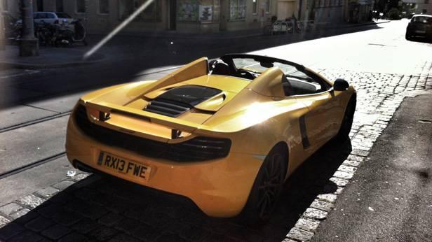 Heute morgen, irgendwo in Wien: ein McLaren MP4-12c Spider