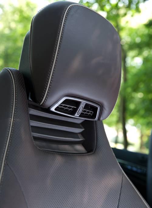 Mercedes E 400 Cabriolet airscarf
