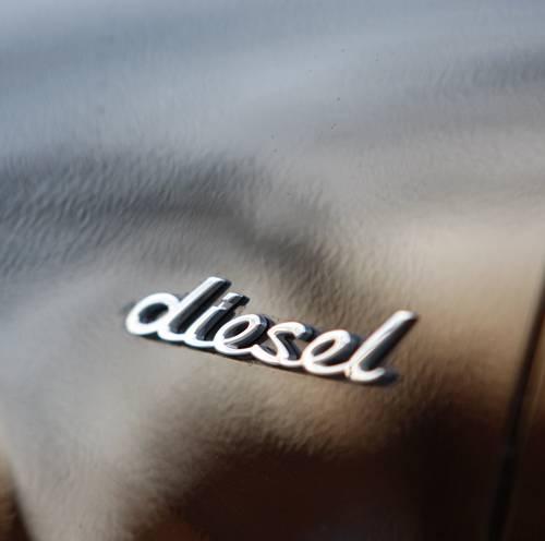 porsche cayenne s diesel emblem
