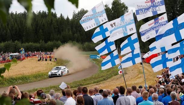 Ogier triumphiert am zweiten Tag der Finnland-Rallye, Nowikow/Minor scheiden aus