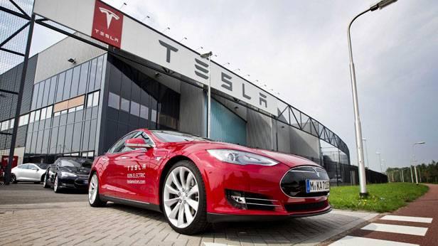 Tesla Werk in Tilburg
