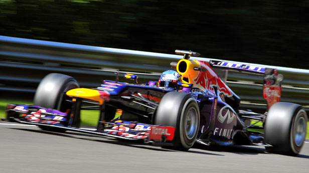 Sebastian Vettel im Formel-1-Rennauto in Spa