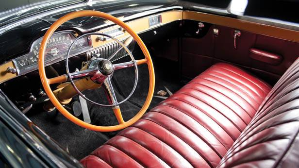 Der Cadillac Series 62 Convertible Coupe 1949 innen