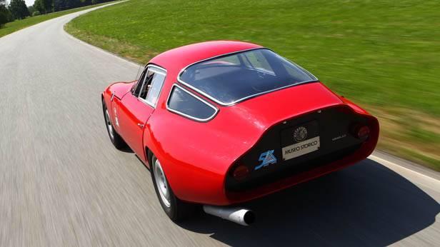 Der Alfa Romeo Giulia TZ von hinten