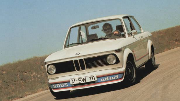 Der BMW 2002 turbo in der Kurve