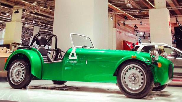 Caterham Dreizylinder