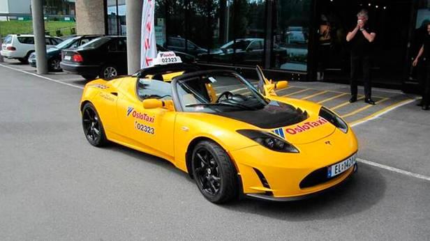 Tesla Roadster als Elektroauto Taxi in Oslo