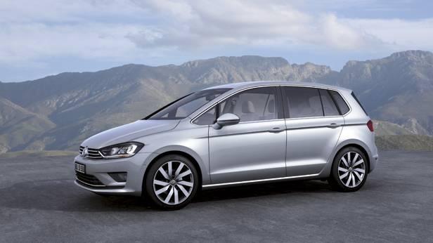 VW Golf Sportsvan statisch vorne links