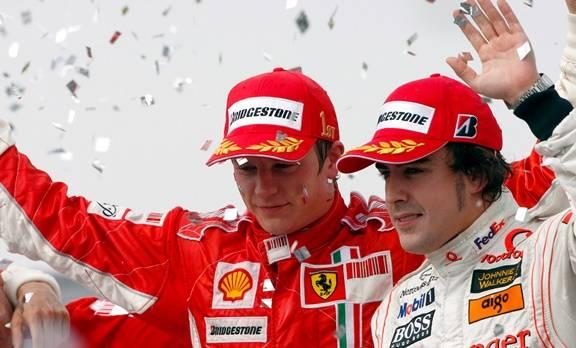 """2007 jubelten Räikkönen und Alonso noch getrennt - ab 2014 fahren die """"zwei Hähne"""" fürs selbe Team."""