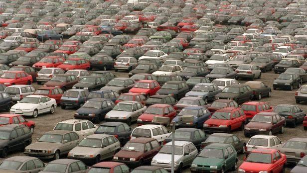 Die gebeutelten französischen Autobauer können noch nicht aufatmen - für das Gesamtjahresergebnis seien jetzt September und Oktober entscheidend.
