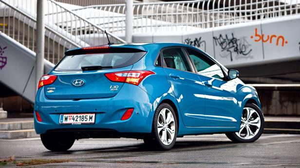 Hyundai i30 1,6 CRDi Premium heck seite