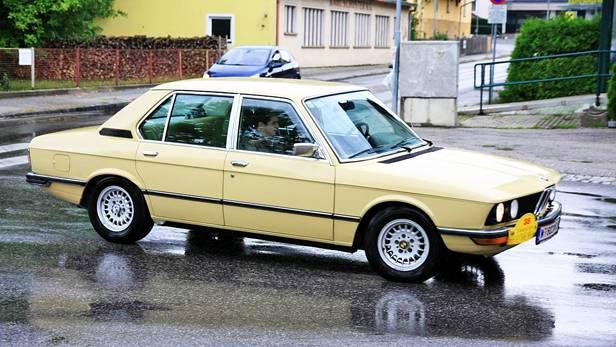 bmw 520 e12 m60 beige seite front