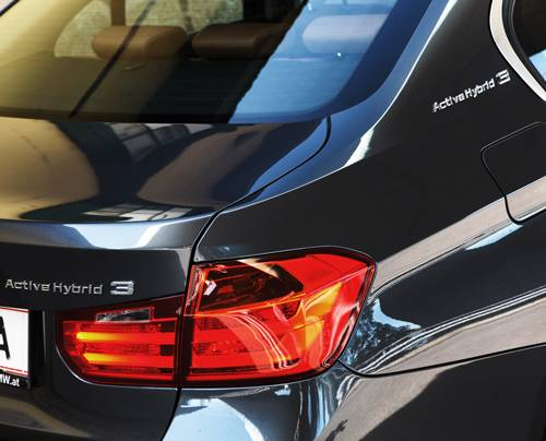 bmw active hybrid 3 schriftzug emblem heckleuchte